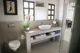Christofphs Guesthouse - Ngun iLuxury Room