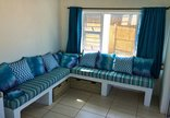 Tofo Beach Accommodation - casa Derika lounge