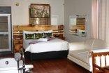 Vela-Inn Bed and Breakfast - The Wood Room
