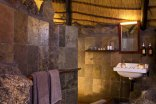 Erongo Wilderness Lodge - Chalet bathroom