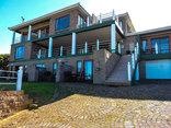 Amzee Bokmakierie Guest House - Street view of Bokamakieie