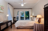 The Brother's Guest House - SunBird Room