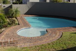 DCS Self Catering Accommodation - Kenridge 1 - Pool