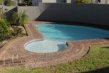 DCS Self Catering Accommodation - Kenridge 1 - Pool