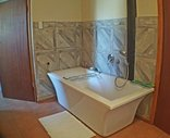 Brenton Bushbuck Lodge - Main bedroom bath