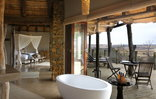 Nambiti Plains Private Game Lodge - Honeymoon Suite