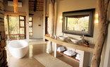 Nambiti Plains Private Game Lodge - Honeymoon Suite Bathroom