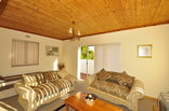 Bayside Guest Lodge - Upstairs Unit - 1 bedroom unit