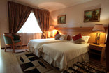 Shamrock Arms Guest Lodge - Luxury Room - Twin Beds