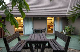 Khaya La Manzi Guest Lodge - Bachelors courtyard
