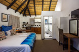 Khaya La Manzi Guest Lodge - Bachelor apartment 1