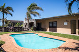 Khaya La Manzi Guest Lodge - Swimming pool