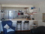 Die Rotse Host House & Self-Catering - Drievis Open plan kitchen with sea view