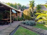 Saltycrax Backpackers and Surf Hostel - Garden