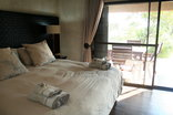 Buffalo Thorn Safari Lodge - Luxury Chalet