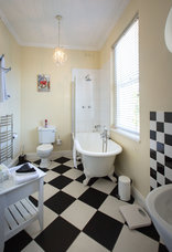 Brooklands House - Rhodes Suite bathroom