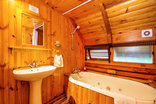 Abalone Lodges - Individual Log cabin with spa bath