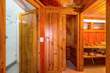 Abalone Lodges - Semi-detached Log cabin with shower