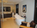 96 On Bree Guesthouse - Luxury Suite 1 - Bathroom