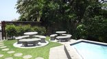 Akidogo Guest House - Pool and Braai area