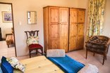 Blackwoods Farm Cottage - The main bedroom amenities