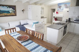 Ansteys Beach Self Catering & Backpackers - Seaview Cottage sea view 4-6 Sleeper Apartment