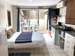 Ansteys Beach Self Catering & Backpackers - Hibiscus garden unit