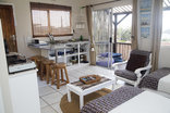 Ansteys Beach Self Catering & Backpackers - Ocean View sea view unit sleeps 2-4
