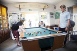 Ansteys Beach Self Catering & Backpackers - Pool table in main building