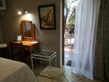Adams Eden Guest House and Self Catering - Guadalupe Private Entrance