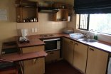 Giants Castle - Drakensberg - Kitchen in chalet