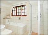 Malvern Manor Country Guest House - Bathroom for Savannah Room