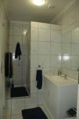 Araluen Cottage - Flat Bathroom