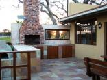 Hoylake Inn - Braai and patio