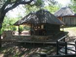 Mfubu Lodge & Gallery - Dining/braai area