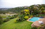 Riverbend Guest House - Garden setting