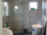 Constantia Cottages - Cottage Cabernet - Bathroom with big Shower Cubicle