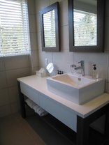 Ballinderry - The Robertson Guest House - Bathroom in new standard room