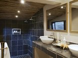 Birdsong Cottages - Flycatcher Bathroom