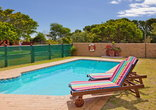 Horizon Holiday Cottages - Outdoor pool with sundeck