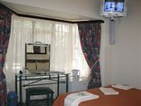 Mdoni House Guest Lodge - Double bedroom
