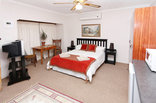 Gumtree Guest House - Cottage - main room