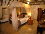 Roosfontein Bed and Breakfast/Coference Centre - Suite 1 (Giraffe)