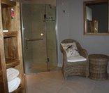 Birds Babble Self-Catering Guesthouse - En-suite Bathroom