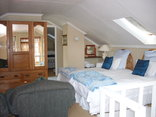 Nottingham Country House - ROOM 6 FAMILY UNIT - MAIN ROOM
