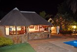 Easy Five B&B / Self Catering - Lapa by night