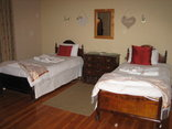 Rietpoort Guesthouse and Guestfarm - 2nd Bedroom (Cottage 1)