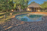 Bonamanzi Game Park - 6-sleeper Dinizulu Lodge