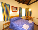 Forever Resorts Badplaas - Main bedroom -selfcatering