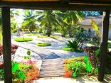 Barra Beach Club Boutique Hotel - The walkway through our lush garden to the beach